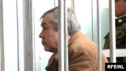 """Маъруф Орифов, раиси силсилафурушгоҳи """"Орима"""", дар додгоҳ"""