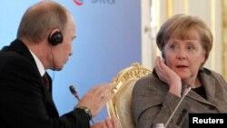 Володимир Путін і Анґела Меркель на зустрічі у Кремлі, 16 листопада 2012 року
