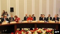 Участники переговоров по ядерной программе Ирана. Алматы, 27 февраля 2013 года.