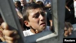 Тбилиси - протести во близина на затвор