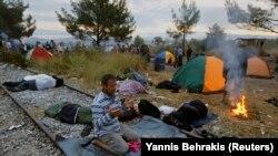 Refugjatët në kufirin Maqedoni - Greqi, 22 gusht 2015