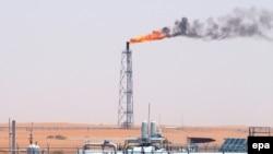 چتم هاوس در گزارش خود نوشته است:عربستان سعودی، با ظرفيت توليد دوازده و نيم ميليون بشکه در روز، می تواند توليد خود را تا سال ۲۰۴۰ ميلادی، در صورت لزوم، ثابت نگه دارد.(عکس:epa)