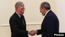 Armenia - Prime Minister Nikol Pashinian (R) meets with U.S. National Security Adviser John Bolton in Yerevan, 25 October 2018.