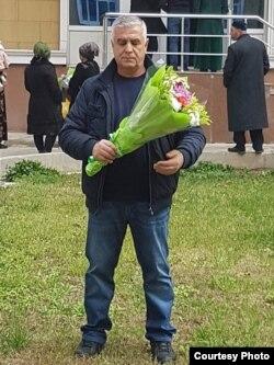 Акс аз саҳифаи Ёқуб Салимов дар Фейсбук
