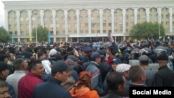 Kazakhs gather in the center of the southern town of Kyzylorda to protest proposed land sales on May 1.