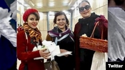 Monireh Arabshahi (C), her daughter Yasamin Ariany (L) and Mojgan Keshavarz (R)have been sentenced to a total of more than 31 years in prison for defying the forced Islamic dress code in public. FILE PHOTO