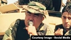 Ауғанстан вице-президенті Абдул Рашид Достум Фарьяб уәлаятында. Тамыз 2015 жыл.