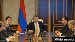 Armenia -- Acting Prime Minister Karen Karapetian holds an emergency government session, Yerevan, 23Apr2018