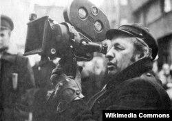 Andrzej Wajda 1974-cü ildə film çəkilişində.