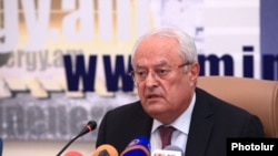 Armenia -- Minister of Energy Yervand Zakharian at a press conference in Yerevan, 14 Jan, 2015