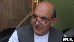 Президенттіктен үміткер Қаюм Карзай.