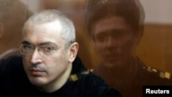 Михаил Ходорковский, бывший российский олигарх, отбывающий тюремное наказание, в апреле 2010 года.