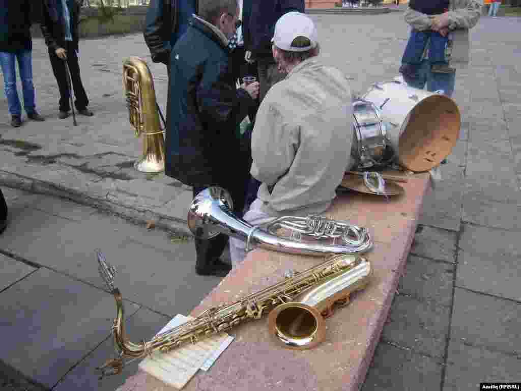 Коммунистлар җыенында музыкантлар