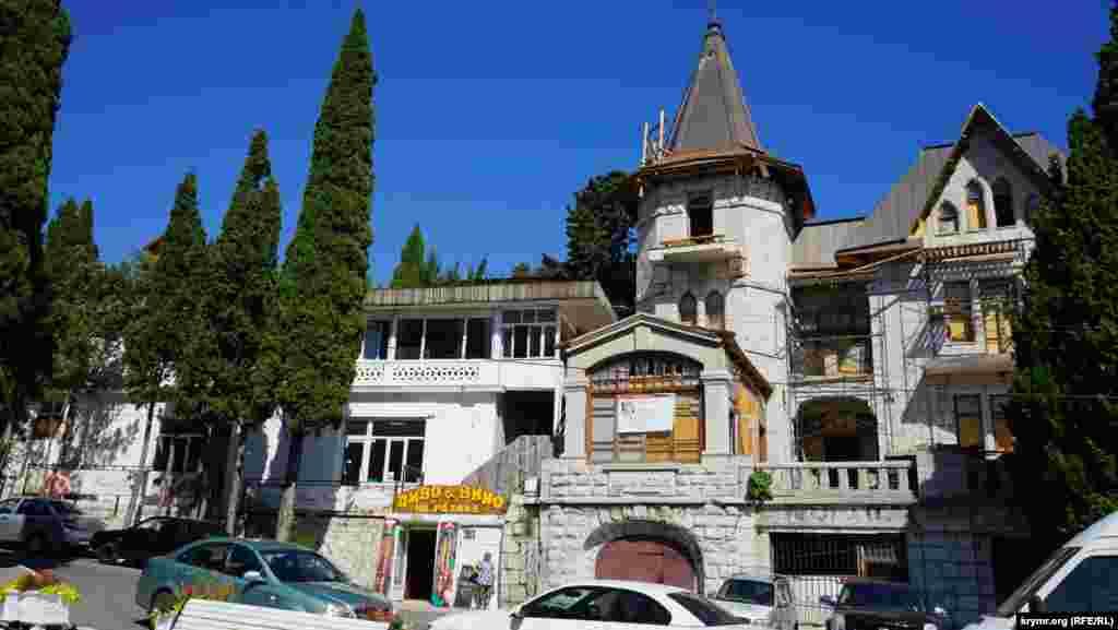 Візитівка Сімеїза – вілла «Ксенія», побудована на початку минулого століття. Там тривають реставраційні роботи