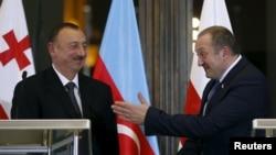 Президенты Азербайджана и Грузии - Ильхам Алиев (слева) и Георгий Маргвелашвили (справа)