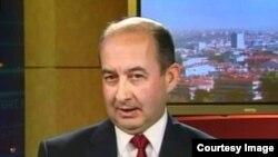 Ҳалдун Солмазтурк, таҳлилгари умури сиёсӣ ва амниятии Туркия