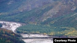 Russia -- Crush of the dumb in Karamken, Magadan region, flood, 30Aug2009