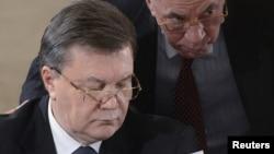 Віктор Янукович (ліворуч) та Микола Азаров (праворуч)