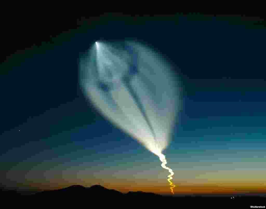 Запуск ракети «Союз» з Байконуру. Зараз вартість польоту американського астронавта на російських ракетах становить близько 86 мільйонів доларів, вдвічі більше, ніж Росія отримувала в 2011 році
