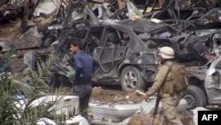 بغداد ـ مشهد من تفجير الاحد في حي المنصور