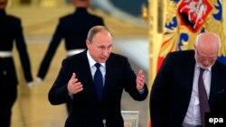 Владимир Путин и Михаил Федотов на заседании Совета по правам человека 1 октября