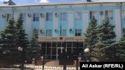 Будівля обласного відділку КНБ Казахстану в місті Актобе, фото 12 червня 2016 року