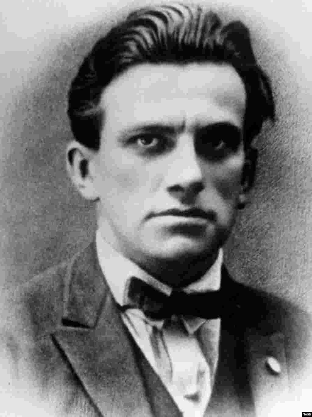 Poet Vladimir Mayakovsky, 1925 - Vladimir Mayakovsky was one of the great formulators and influences of the Soviet revolutionary aesthetic. In addition to poetry and plays, he created posters, advertising jingles, and instructional booklets. In his later years, he devoted himself increasingly to political work. He committed suicide in 1930.
