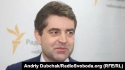 Посол України у Чехії Євген Перебийніс
