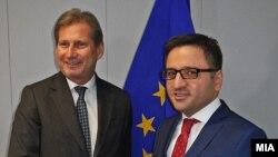Средба на вицепремиерот Фатмир Бесими со еврокомесарот за соседска политика и преговори за проширување Јоханес Хан.