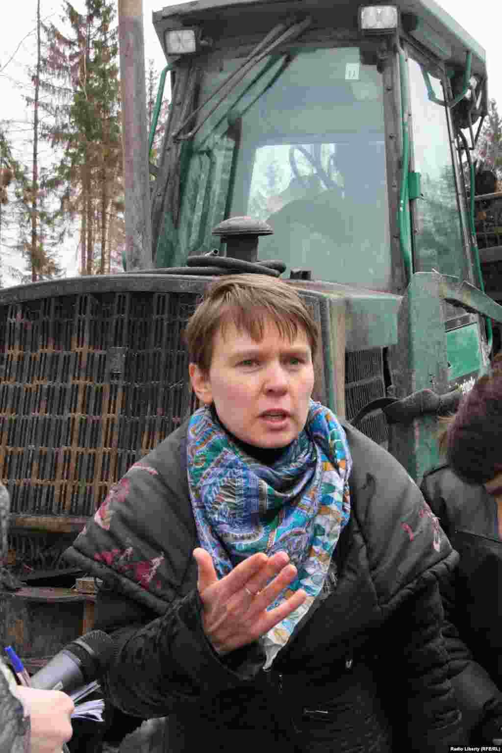 Евгения Чирикова призывает снова встать на защиту Химкинского леса