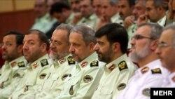 اسماعیل احمدی مقدم و احمدرضا رادان در حلقه فرماندهان ارشد نیروی انتظامی