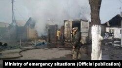Последствия пожара в селе Новопавловка близ Бишкека. 15 марта 2019 года.