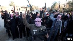 Іламістські бойовики на демонстрації проти уряду Іраку, Фаллуджа, 7 січня 2014 року
