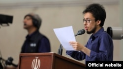 Mohammad Javad Motamedinezhad, Iranian student activist close to Ahmadinejad, lashes out at Iran's judiciary during a meeting with ayatollah Khamenei.