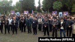 Жамиль Гасанлыны жақтаушылар. Әзербайжан, 7 қазан 2013 жыл.