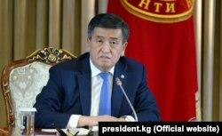 Сооронбай Жээнбеков президенттик кызматындагы алгачкы жылдык басма сөз жыйынында, 2018-жылдын 19-декабры.