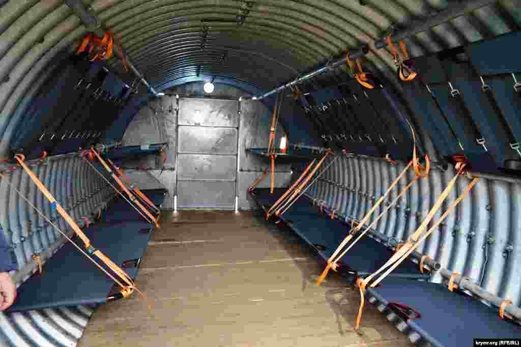 Прикордонники частини, розташованої в Каланчацькому районі на кордоні з Кримом, отримали від Херсонської облдержадміністрації два сучасних бліндажа для укриття особового складу на випадок обстрілів