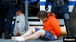 Затримання російських уболівальників, Лілль, 15 червня 2016 року