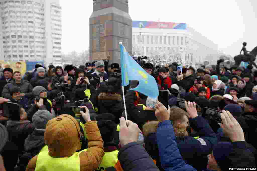 The protests coincided with two major anniversaries in modern Kazakh history: the 1986 anti-Soviet demonstrations in Almaty, and the 2011 deadly police crackdown against protesting oil workers in the southwestern town of Zhanaozen. At least 14 oil workers died in the crackdown.