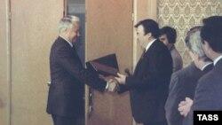 Boris Ielțîn și Mircea Snegur, 21 septembrie 1990, la Moscova