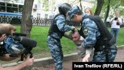 """Задержание участника акции """"Белый город"""""""
