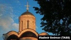 """Дмитриевский собор (1194—1197 гг.) в парке """"Липки"""", Владимир"""