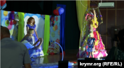 Выступление киевского театра «Аттракцион»
