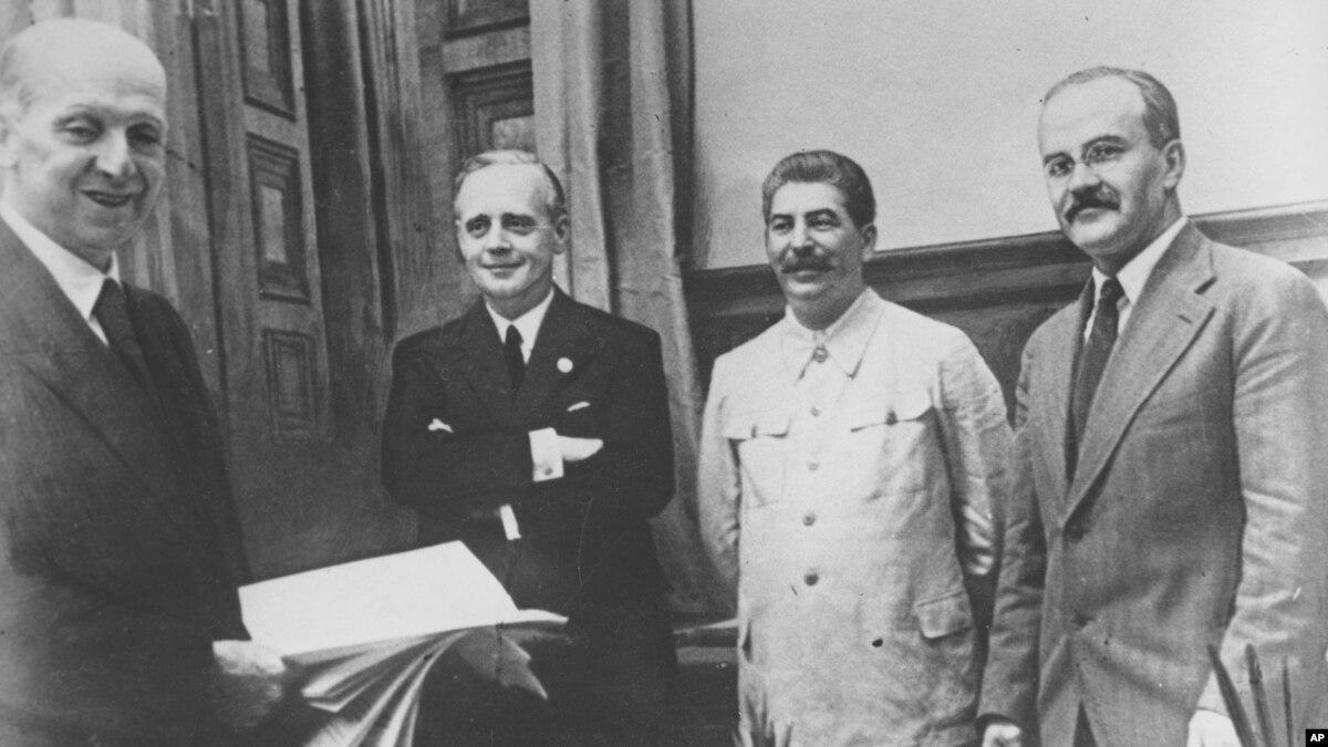 80 лет назад: как Сталин и Риббентроп о дружбе и границах договаривались