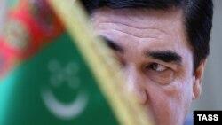Türkmen prezidenti Gurbanguly Berdimuhamedow.