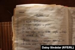 "A recipe for makeshift ""pashteta,"" or pate, preserved in Alic's wartime cookbook."