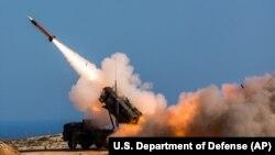 Американський ЗРК Patriot під час пуску ракети