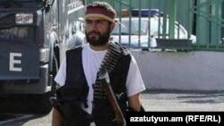 Смбат Барсегян на территории полка ППС, 23 июля 2016 г.