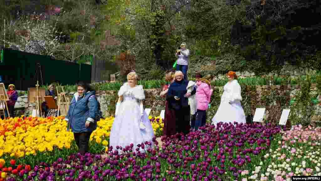 """Никитский ботанический сад, как говорится на его официальном сайте, является """"живым музеем и зелёной сокровищницей под открытым небом""""."""