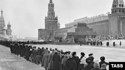 Очередь в Мавзолей Ленина, 12 марта 1960